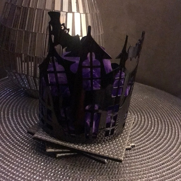 Bath & Body Works Slatkin&Co Haunted house Halloween gunmetal 3wick candleholder